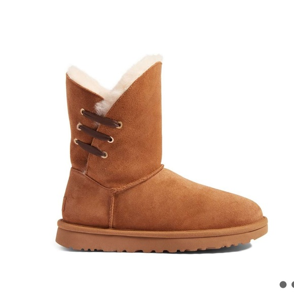 c3835f3b618 💥Today Only $86💥NWT Ugg Women's Constantine Boot NWT